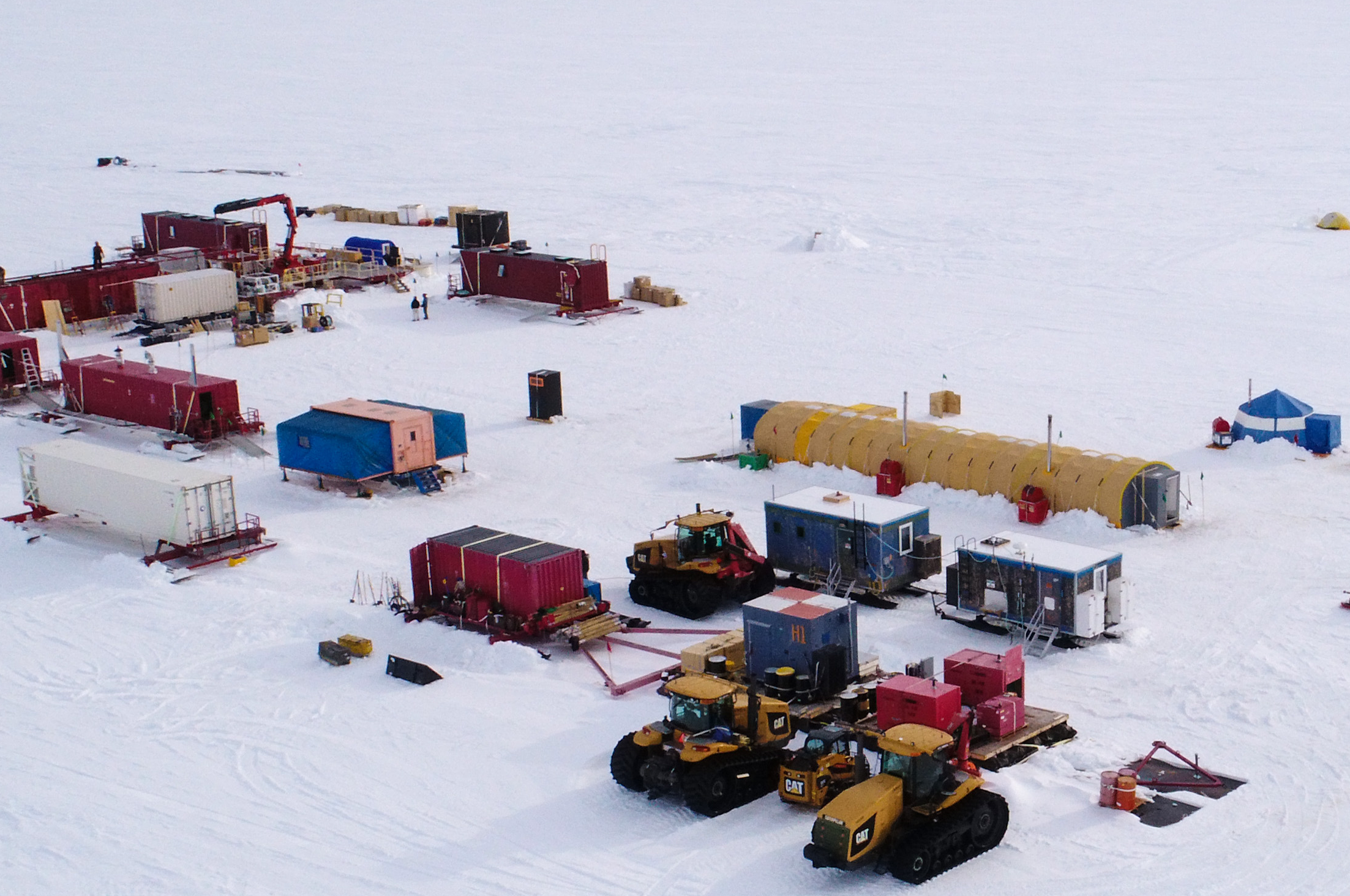 Science Team Begins Field Work and Geophysics Team Completes Research at Whillans Subglacial Lake